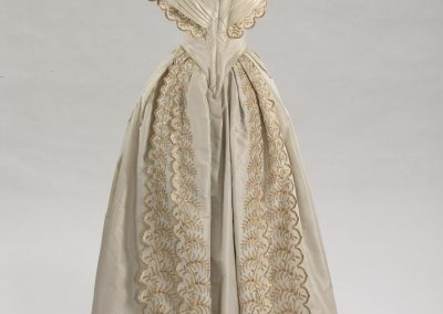1850 dress State Hermitage Museum After dinner dress with straw