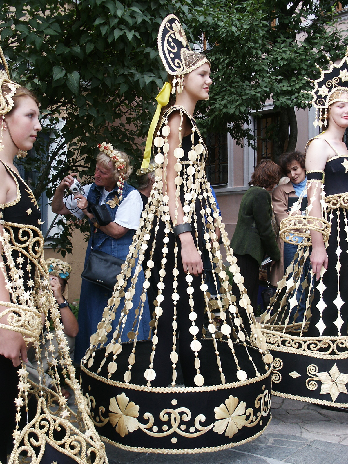 """straw fashion"", Designs by Ludmila Chakunova, Belarus"