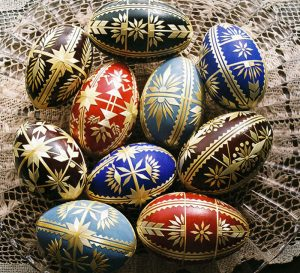 Goddess motif on goose eggs by Sidonka Wadina, Courtesy Endowment for the Arts, straw decorated eggs, The Straw Shop