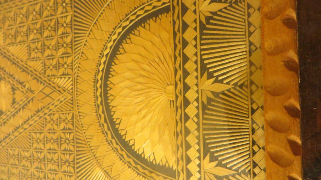 straw mosaic, straw applique, straw tray,
