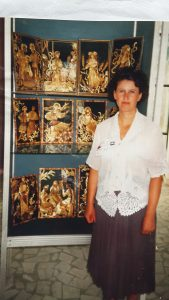 Galina Konstantinovna Kushnir, Lyudmila Kushnir, Ukraine straw art, straw artist, Applique straw, The Straw Shop