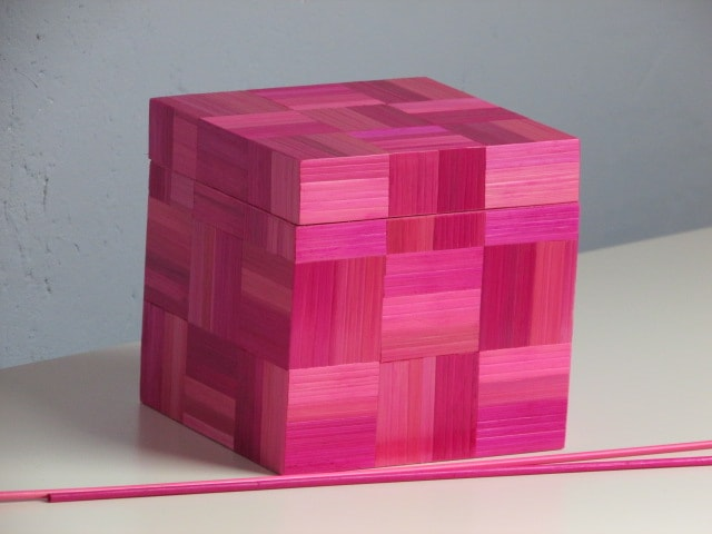 SAD14 Carine Dekoster Belgium Rose colored box