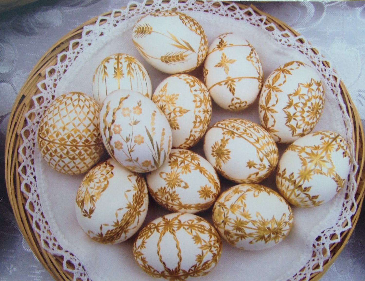 Straw decorated eggs, Marcela Hrabovská, Czech Republic, Courtesy Czech Cookbook dot com, straw eggs, The Straw Shop