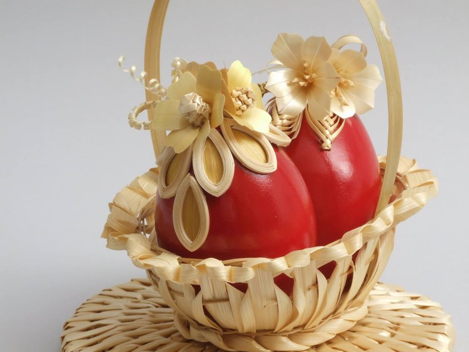 straw decorated eggs, Mirjana and Edvard Kirbus Serbia, straw decorated egg, The Straw Shop