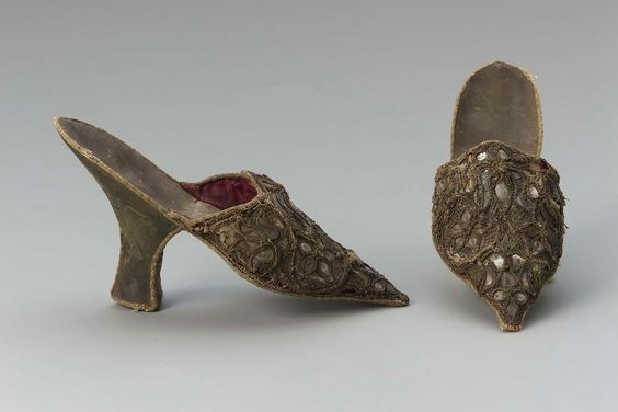 Straw shoes 1720-1740, Paper embroided with mica and straw, lined with silk and leather sole, possibly European, courtesy museum of fine arts boston