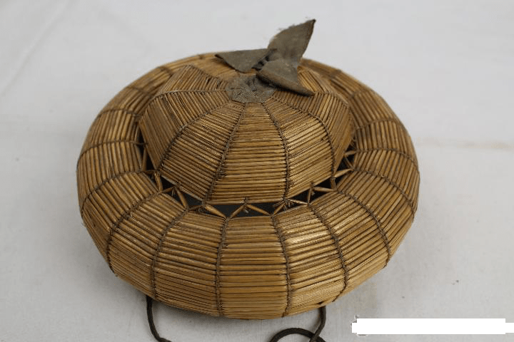 bourellet circa1830 ,courtesy todoscollecion .jpg, straw bourrelet, bourrelet, antique straw bourrelet, straw doll hat, pudding hat, straw pudding, straw chichonera ,the straw shop