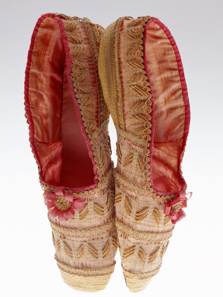 straw shoes, Exquisite straw shoes 1830,courtesy the Kyoto Museum, straw decorated shoes, straw decorated shoes, straw shoes, straw art history, vintage straw shoes, antique straw shoes, The Straw Shop straw fashion, The Straw Shop